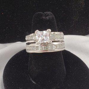 Silvertone Wedding Ring Set